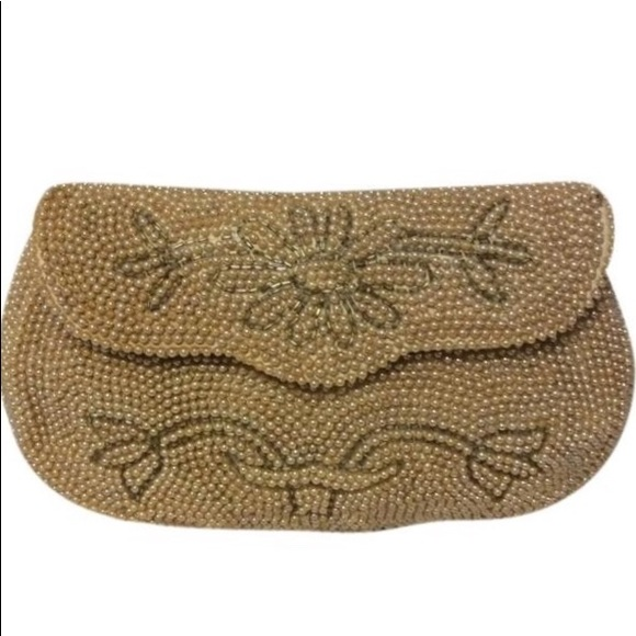 Vintage Handbags - Vintage Glass & pearlized Beaded Clutch